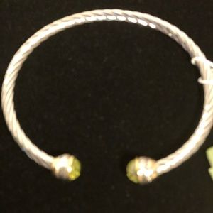 NWT Twisted Silver Bracelet with Peridot